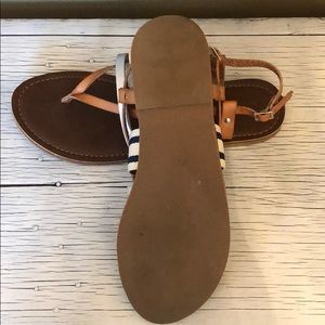 Mossimo Supply Co. Shoes - DV Mossimo Supply Co. between toe strap sandals.